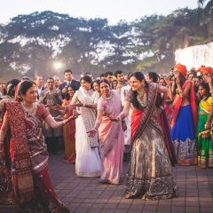 unique-fun-idea-for-bridal-entry-family-dancing-shonan-adesh-thedelhibride-indian-wedding-blog